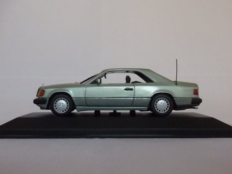 Mercedes W124 coupe, 1987-1993, groen, Minichamps, 3403