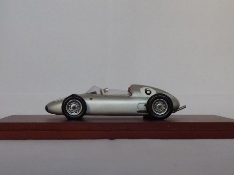 Porsche 718 F2, 1961 Nurburgring Sudschleife winner True Scale Miniatures, nr. TSM114308