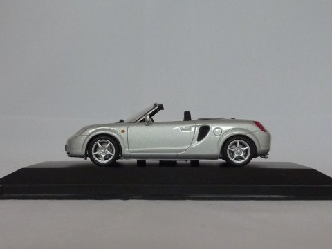 Toyota MR 2, 2000, zilver, Minichamps,