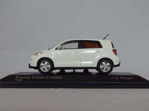 Toyota Urban cruiser, 2009, wit, Minichamps, 400 166960