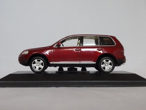 VW Touareg, 2002, rood, Minichamps, 840904110 website