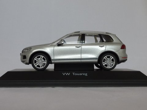 VW Touareg, 2010, zilver, Schuco, 450741600 website